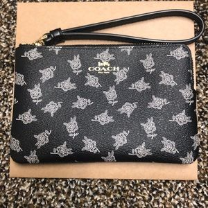 Coach Corner Zip Wristlet With Calico Peony Print